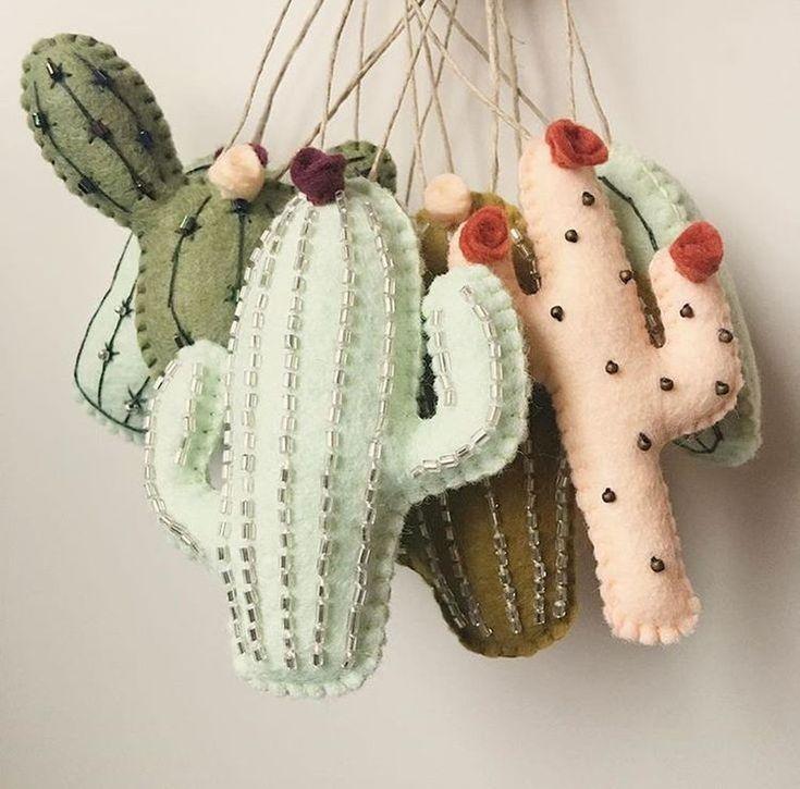 Impresionante 41 Impresionantes Ideas De Decoracion De Cactus Para Su Hogar Mas En Trend4homy Com Artesania De Cactus Llaveros De Fieltro Manualidades En Tela