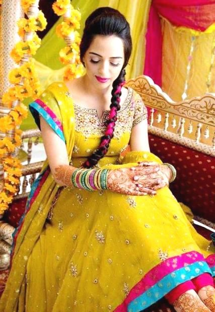 You have to see this Pakistani Mehndi Dresses design.I hope you would like this Mehndi Dresses collection for wedding,Bridal Mehndi Dresses Pakistani.