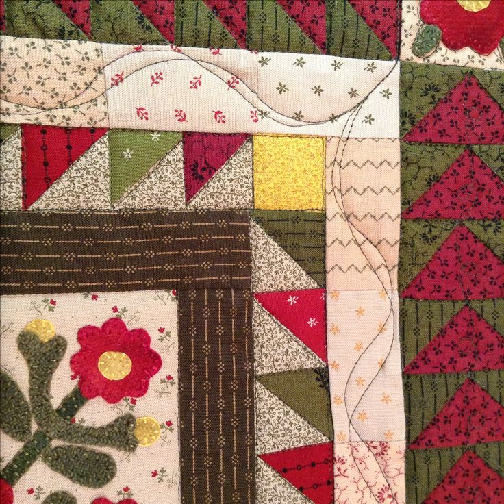 """Ribbon Border design created using the """"Low Tide"""" border design in the Ultimate Borders stencil collection. Quilting done by Karen Azevedo. https://www.cindyneedham.com/collections/stencils"""