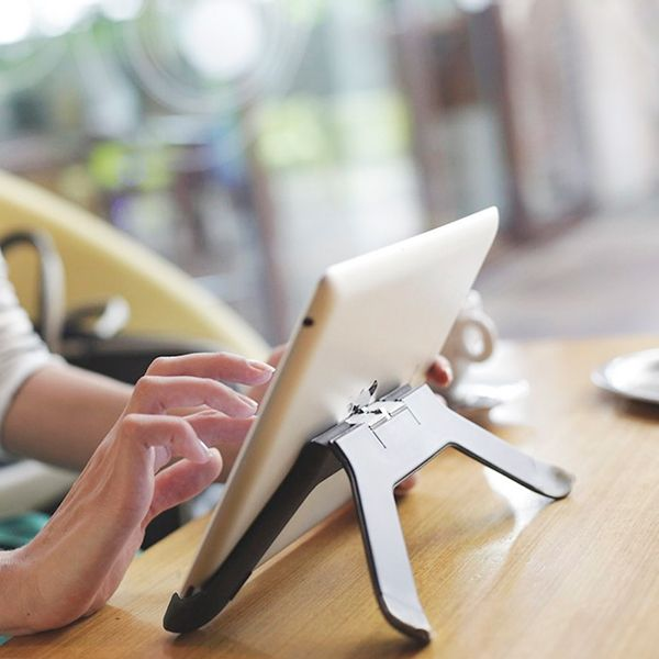 The Boomerang, A Unique iPad Stand And Mounting System, Is Now Shipping -- AppAdvice
