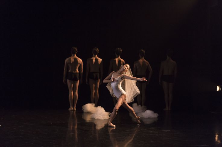 Queensland Ballet's Lina Kim & Vito Bernasconi  Photo Christian Tiger