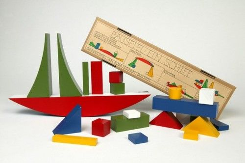 Alma Buschers wooden building blocks, 1924 (via Bauhaus At The Barbican): Buscher Wooden, Bauhaus Toys, Naef Toys, Building Blocks, Alma Siedhoff Busch, Bauhaus Schools, Alma Buscher, Wooden Building, Art Rooms