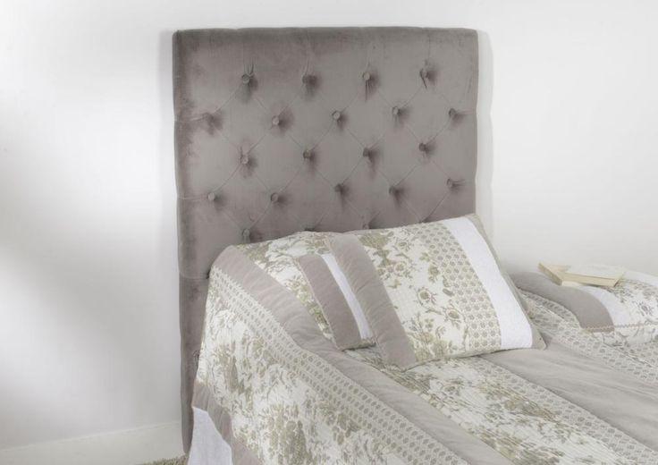 Tête de lit en velours Velvet. Les lits 1 place ne sont pas en reste ne termes de décoration de chambre. Cette magnifique tête de lit offrira une seconde jeunesse à votre aménagement grâce à son revêtement velours et sa finition capitonnée.