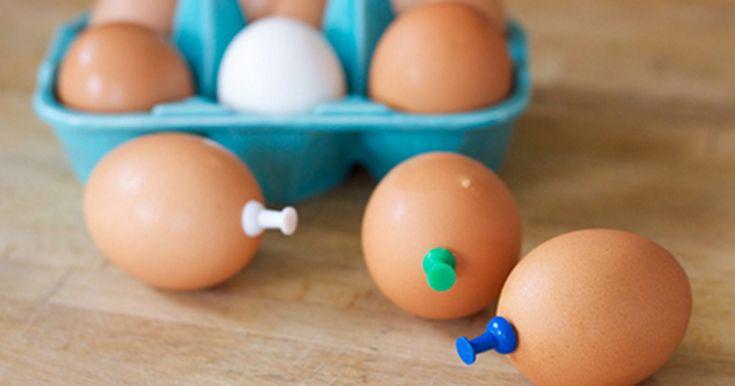 Derfor må du aldrig koge et æg uden at stikke en tegnestift i bunden