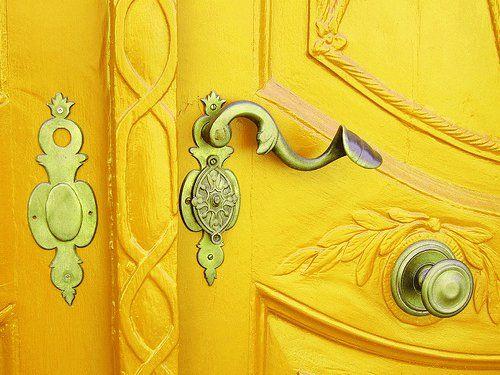 .The Doors, Doors Handles, Orange Doors, Mellow Yellow, Painting Doors, Front Doors, Colors Doors, Yellow Doors, Doors Colors