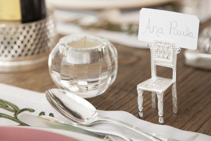 marcador de lugar em forma de cadeirinha. Super fofo para fazer uma graça na sua mesa.