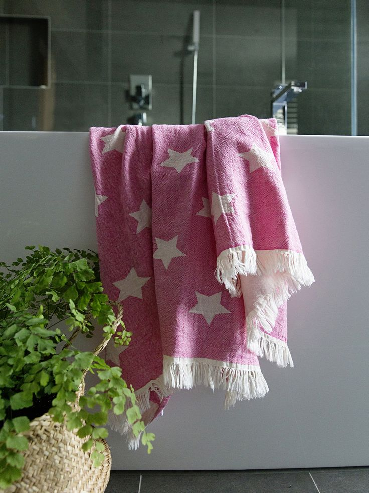 Our Star Oteki is as happy hanging by the bath as by the pool 👌🏻🌟💕 www.knotty.com.au