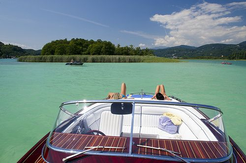 Urlaub am See - Sonnen an  Deck. @ Wörthersee Tourismus GmbH, Foto Gerdl #woerthersee #sommerurlaub #urlaub # austria