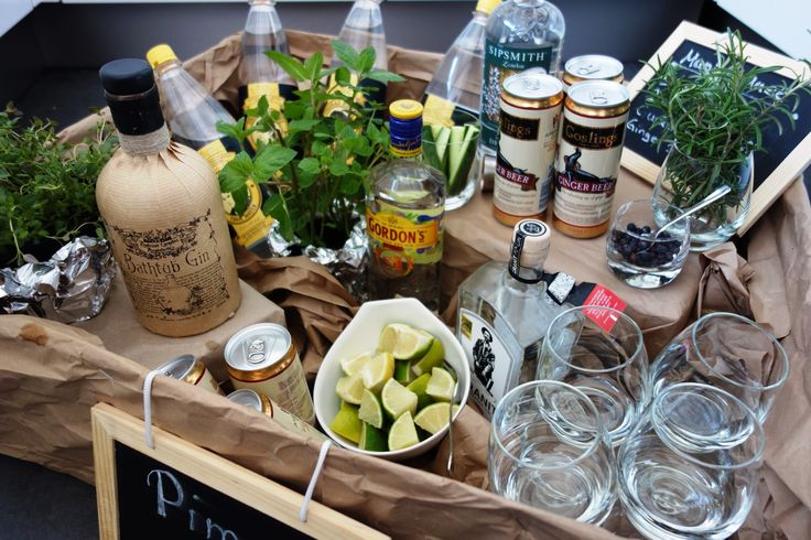 Gin Bar – an eye-catcher for every celebration. The guests mix themselves. More pictures and instructions here: ohmylife.de / …