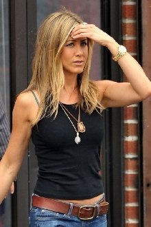 Love the necklaces!! jennifer aniston