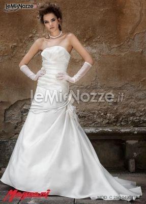 http://www.lemienozze.it/operatori-matrimonio/vestiti_da_sposa/silwa_sposa/media/foto/2  Abito da sposa senza spalline con guanti a tre quarti