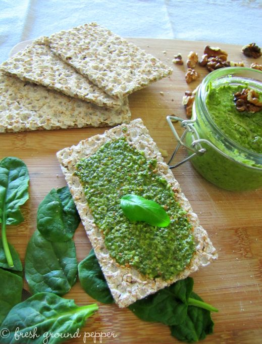 spinach & walnut pesto