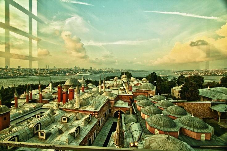 The Bosphorus via Topkapı Palace