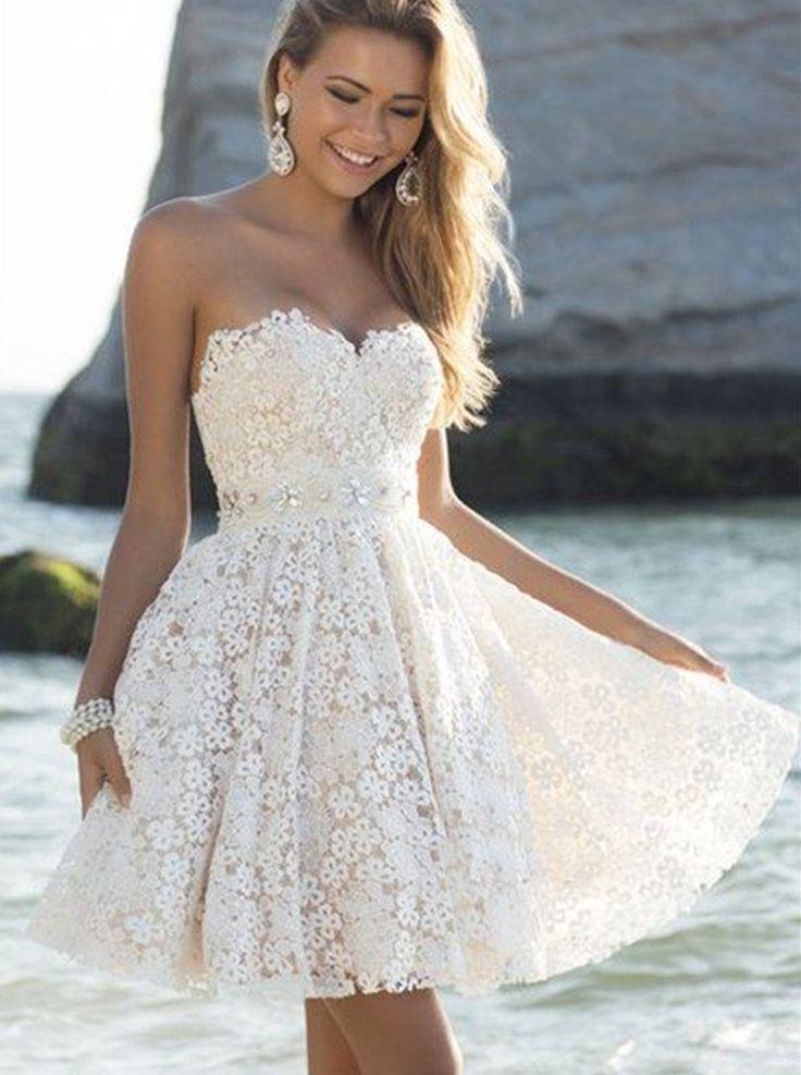 Glamourös A-linie Herzausschnitt Kurz Weiß Spitze Abiballkleid mit Kristall