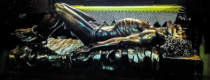 Cristo yacente. Una de las mejores tallas del escultor Manuel Ramos González