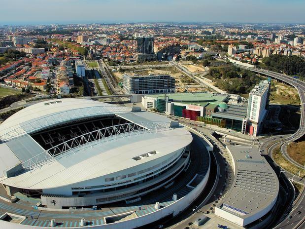Estádio do Dragão - Inaugurado em 2003, o novo estádio do Futebol Clube do Porto virou também ponto turístico na cidade, especialmente para os amantes do futebol