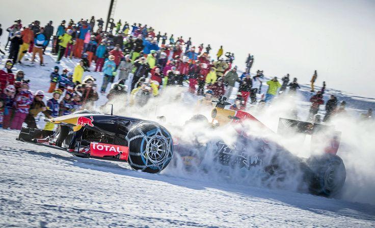 GALERIE: Tomu neuvěříte: Formule 1 se nebojí sněhu, řádí na sjezdovce v Alpách (videa) | FOTO 16 | auto.cz