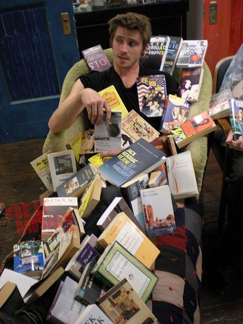 Garrett Hedlund + books = too much to handle!