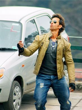Hrithik Roshan shoots in Shimla for 'Bang Bang' #Style #Bollywood #Fashion…