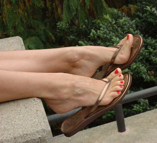 sexy Zehen in Flip-Flops