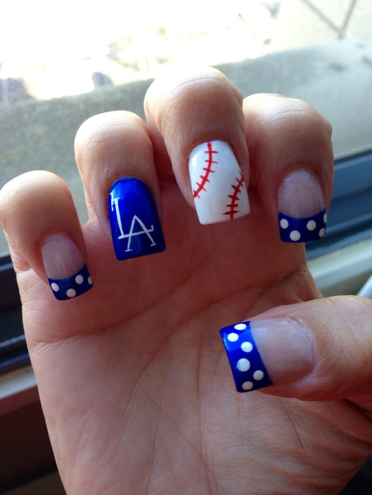 Dodger Nails!! Thought you might like these Monica.......Dang thing won't let me tag you