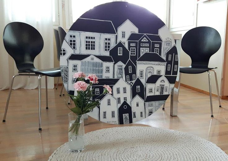 Blackandwhite Houses. Painting by Hammi´s Design.