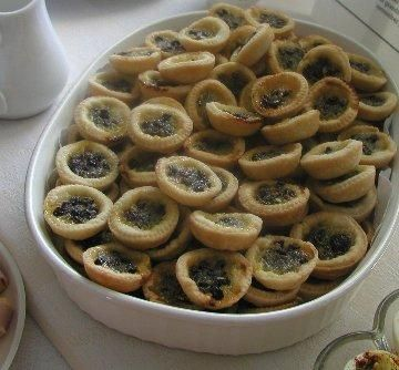 "Banberry Tea Tarts ~ ""This is an authentic English recipe that was given to me by a former resident of the Peninsula. Represent my English ancestry."""