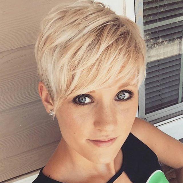Charmante Kurzhaarfrisuren Fur Frauen Mit Blonden Haaren Frisuren