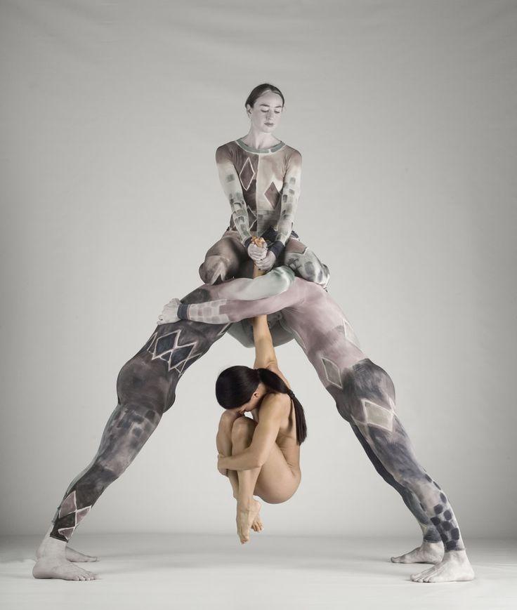 #pilobolus dance company with an amazing pose