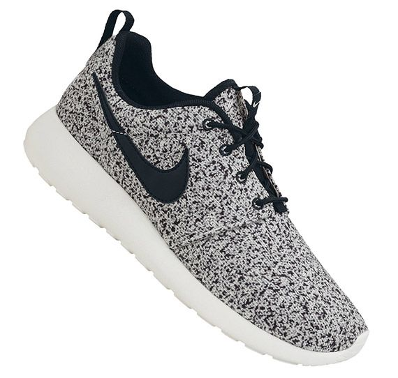 womens nike roshe roshe run black sail speckled black&white market