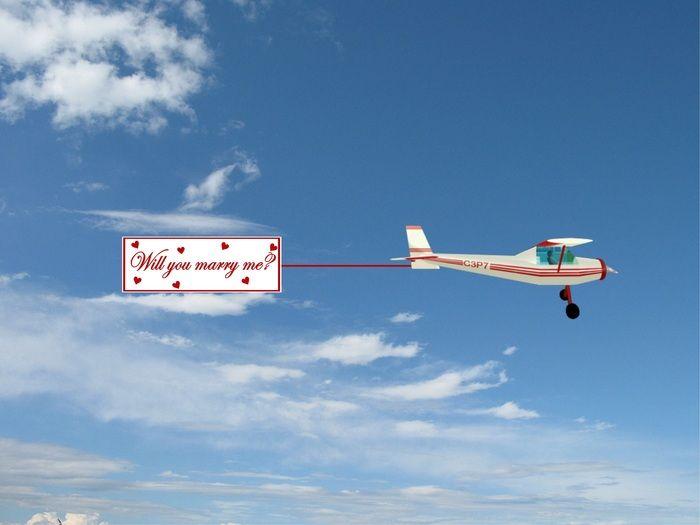 Contratar una avioneta... Mensaje en el aire...