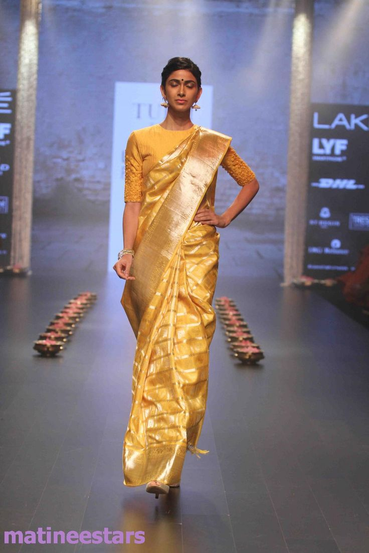 Models Walks For Santosh Parekh At Lakme Fashion Week Winter Festive 2016 - Hot Models Photo Gallery - High Resolution Pictures 27