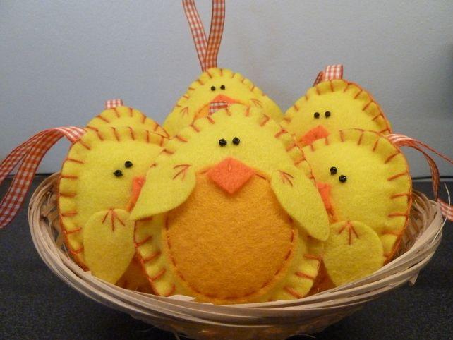 Cute Felt Easter Chick Door Hanger