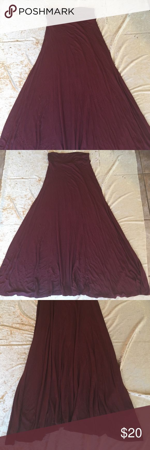 Redwood Brown Maxi Skirt S NWOT Awesome color This is such a hard color to find. It's a brown that is almost burgundy- but not quite. Measurements in pictures. 1st length includes waistband. Please ask any questions before hitting the offer button. Thanks! 💙🌙 Skirts Maxi