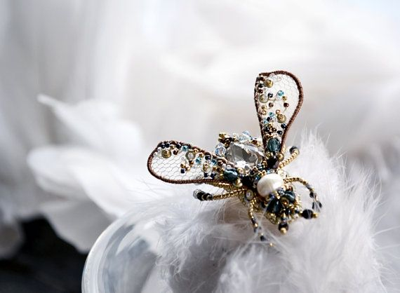 Small Fly pin Fly jewelry Statement pin Bee от PurePearlBoutique