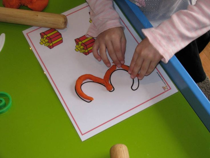 Number Play Dough - Free printable mats