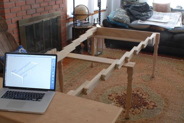 DIY Instrucables for expanding table that can seat ten AND fit in a closet.