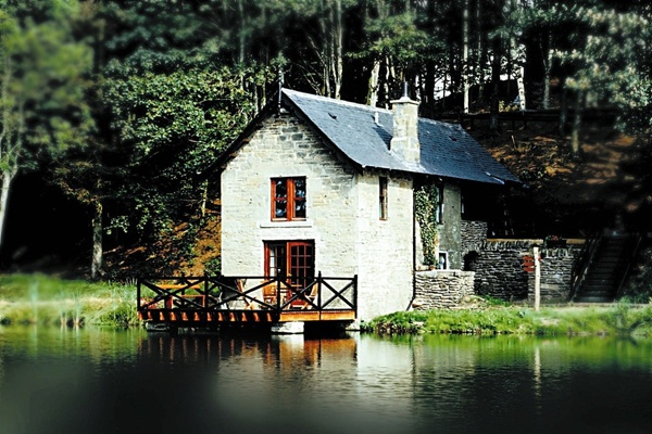 Stayed here for a long weekend 7-8 years ago. A-freaking-mazing. Holiday cottages near Dundee and Tayside Angus Scotland – Forbes of Kingennie