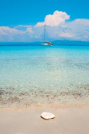 Antipaxos, #Ionian #sea #Greece http://www.fougarostravel.com/