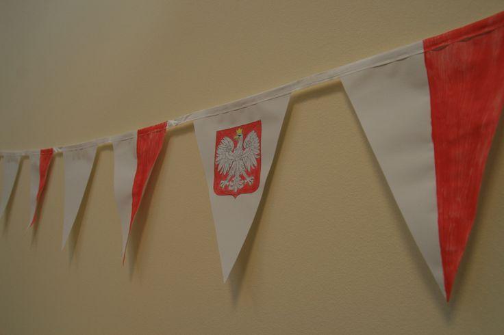 Ci, którzy byli przed nami, mieli wpływ na naszą teraźniejszość. Dlaczego czerwień i biel? Dlaczego Orzeł w koronie? Dlaczego 11 listopada? Stwórz także zewnętrzny klimat do interesujących zajęć o Narodowy Dniu Niepodległości. http://www.educarium.pl/index.php/kaczik-plastyczny/274-flaga-czym-to-si-je.html