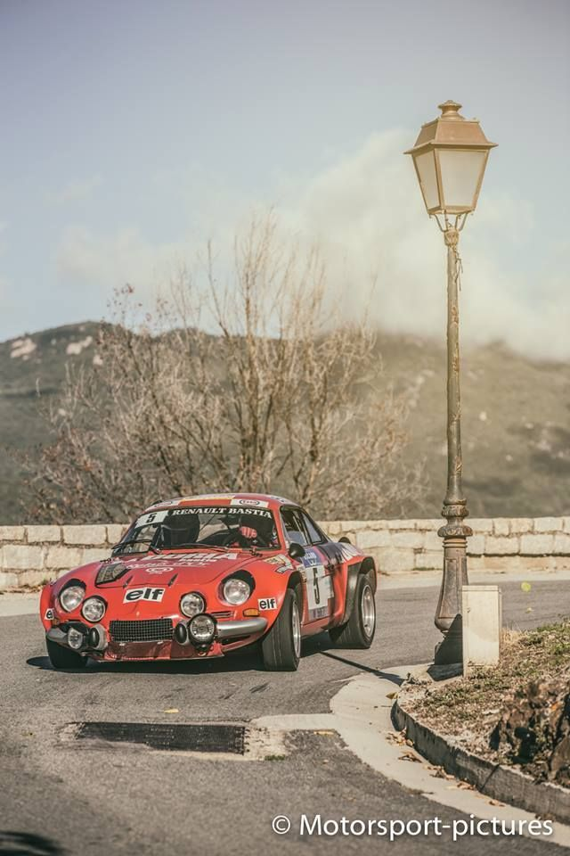 Alpine A110 in orange