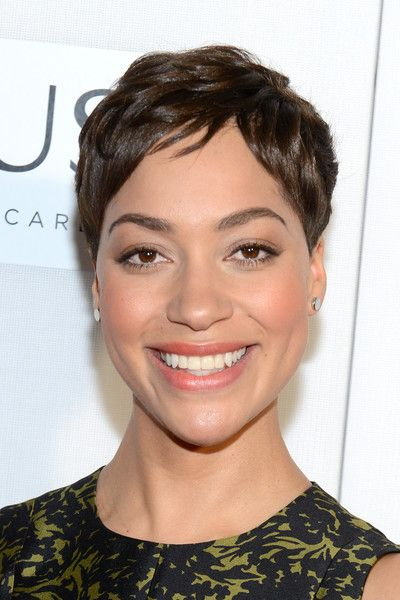 Cush Jumbo Pixie - Cush Jumbo wore her hair in a textured pixie at the Tribeca Film Fest screening of 'The Good Wife.'