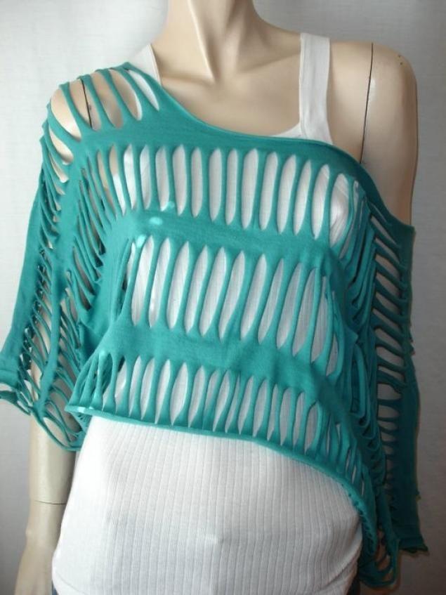 Inspiration: DIY Off Shoulder T-shirt Shawl Cutting Design Idea.