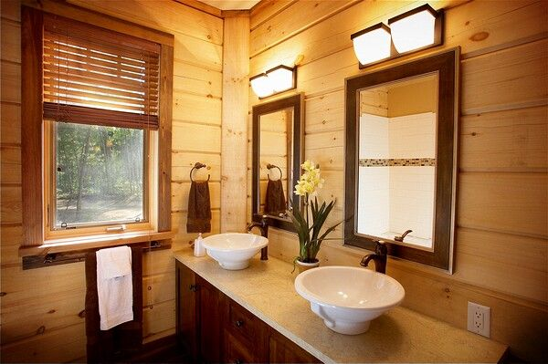 Colonial Concepts Log & Timberframe - White Water Village bathroom