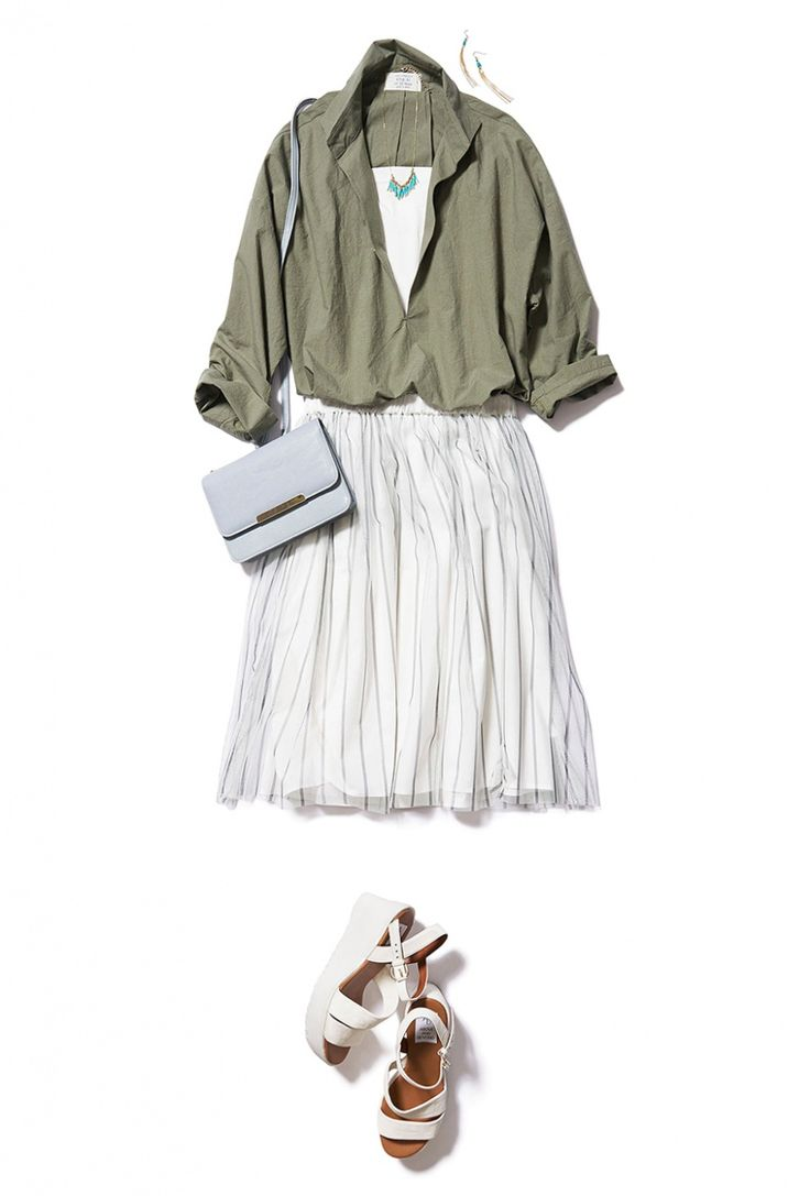 アースカラーのゆったり「背抜きシャツ」で程よくラフな夏のお出かけスタイル! ― A