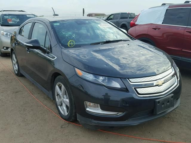 Salvage 2015 Chevrolet Volt Hailstorm Weather Lahore Snow