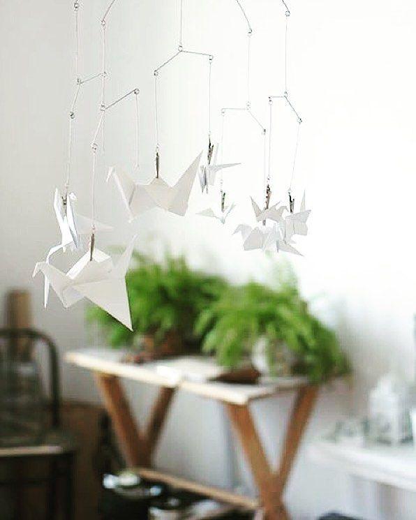 Żurawie>>>na szczęście  #origami #żuraw #żurawie #papier #paper #decor #home #workshop #workinprogress #workspace #pracownia #interior #creative #happines #crane #cranepaper #craneorigami by margo.hupert.art