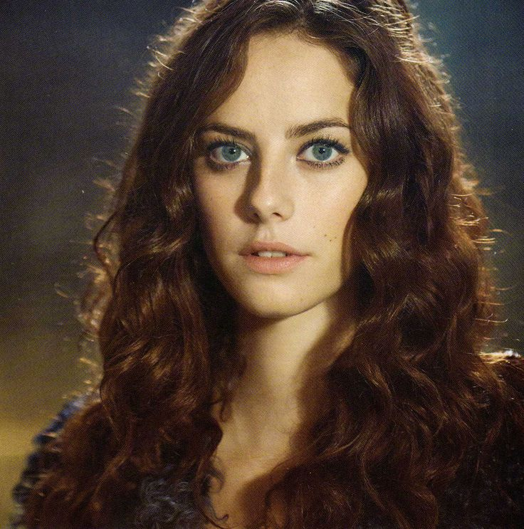/FC: Kaya Scodelario/ Hello I'm Teresa I'm daughter of Poseidon I love the water and I think I'm crushing on Thomas (From Apollo not Hermes)
