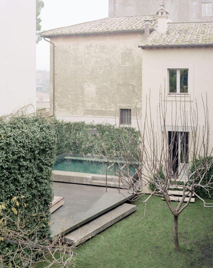 Massimo Adario Architetto, Anna Positano · A Pool in a Private Garden