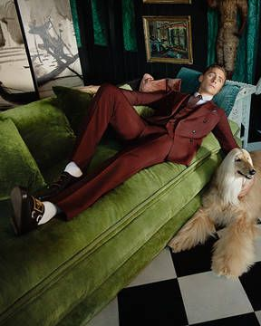 Tom Hiddleston wears the House's suiting for the new Gucci Tailoring campaign.